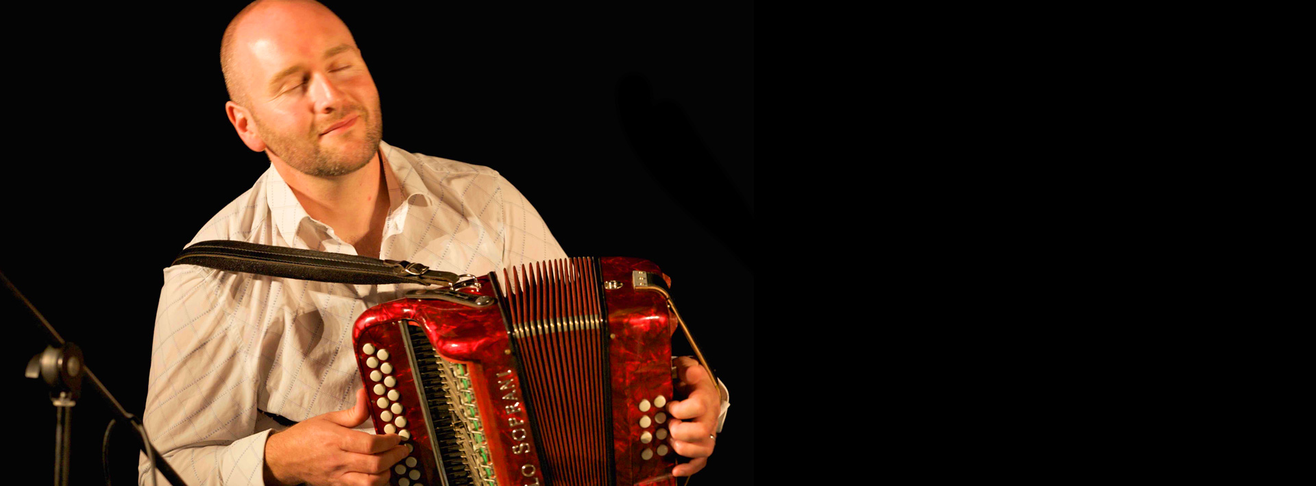 Derek Hickey: Button Accordion