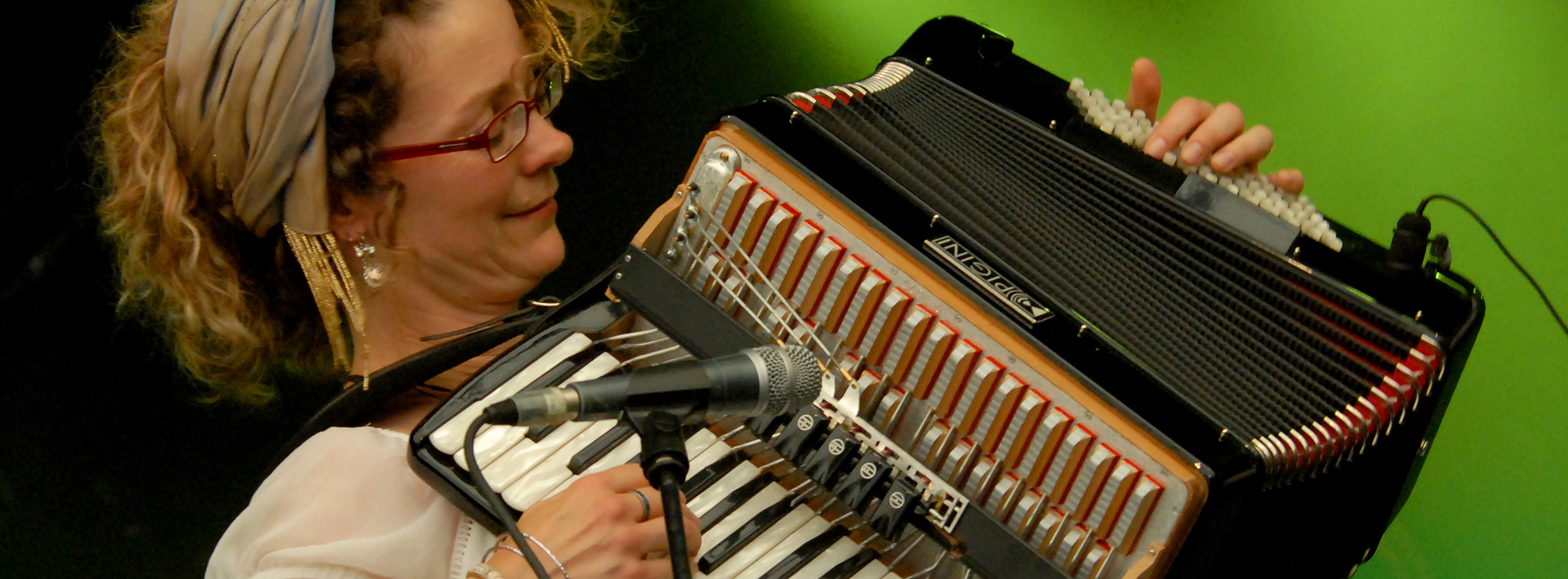 Karen Tweed: Piano Accordion